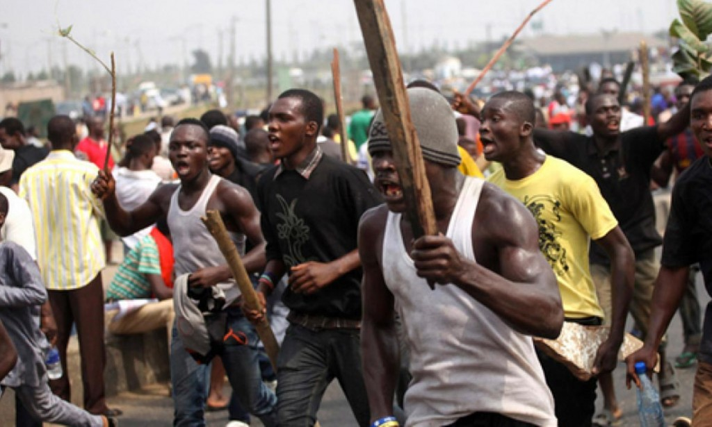 Hoodlums Break Into Prison In Ondo Set 58 Inmate Free,And Attacked Police Stations