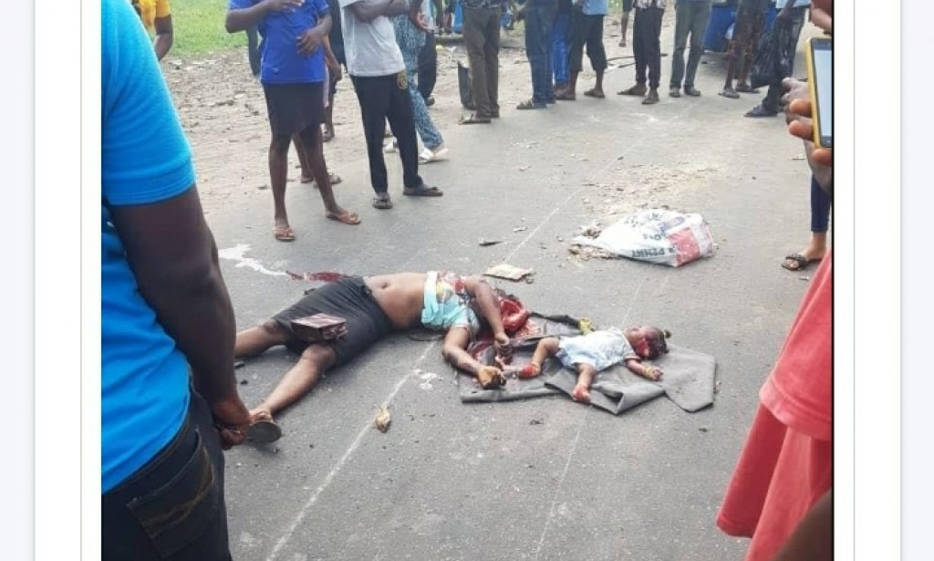 Youths in uproar as police kill mother and child in warri while chasing yahoo boys